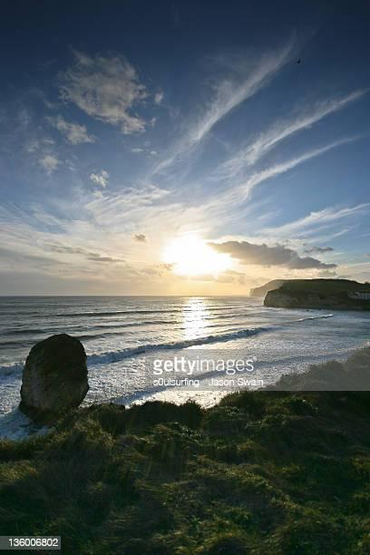 sun over tennyson down - s0ulsurfing stock-fotos und bilder