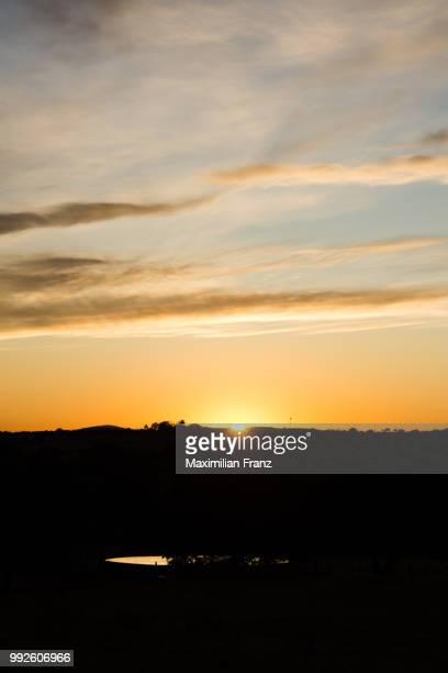 sun rises in afrika - afrika afrika stock pictures, royalty-free photos & images