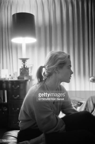 Sun Valley EtatsUnis 28 décembre 1980 Les trois soeurs HEMINGWAY Mariel Margaux et Joan dite Muffet ont rejoint leurs parents Jack et Byra dite Puck...