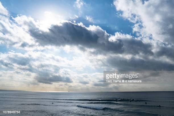 sunbeam on sagami bay, northern pacific ocean in kanagawa prefecture in japan - taro hama ストックフォトと画像