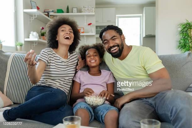 sonntag ist familienfilmtag - television show stock-fotos und bilder