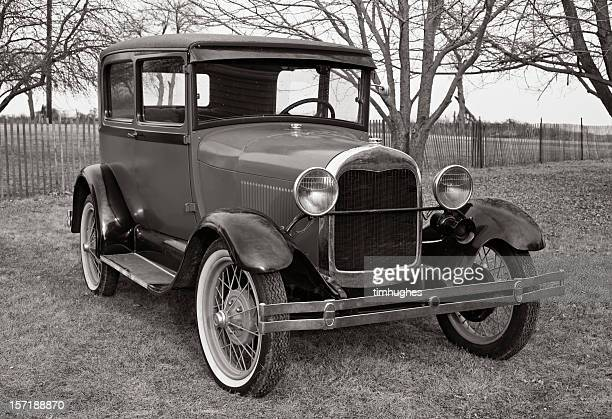 sunday ride. 1929 model a - 1920 1929 stock pictures, royalty-free photos & images