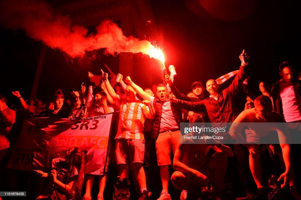 GBR: Sunderland Fans in Trafalgar Square