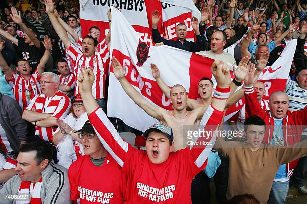 Sunderland fans celebrate during the Coca-Cola Championship match between Luton Town and Sunderland at Kenilworth Road on May 6, 2007 in Luton,...