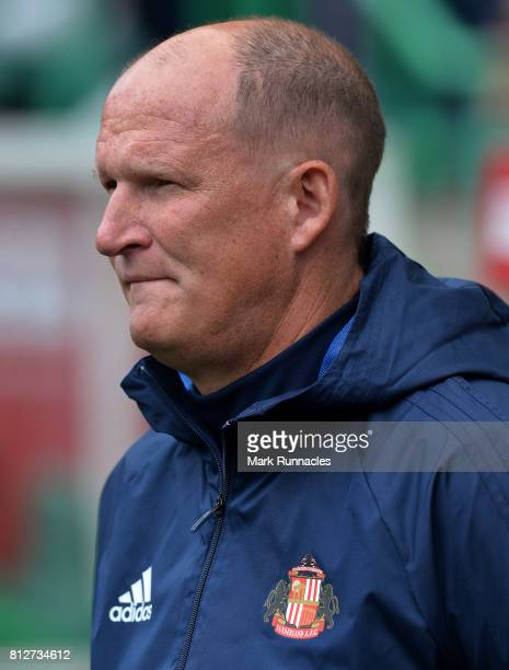 Sunderland manager Simon Grayson in action during the pre season friendly between Hibernian and Sunderland at Easter Road on July 9 2017 in Edinburgh...