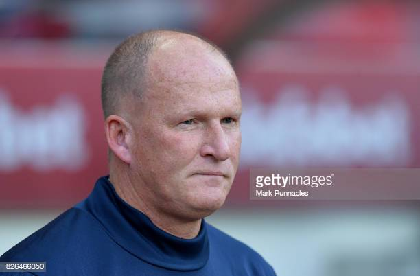 Sunderland manager Simon Grayson looks on during the Sky Bet Championship match between Sunderland and Derby County at Stadium of Light on August 4...