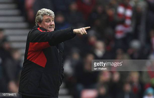 Sunderland manager Steve Bruce gestures during the Barclays Premier League match between Sunderland and Blackpool at the Stadium of Light on December...