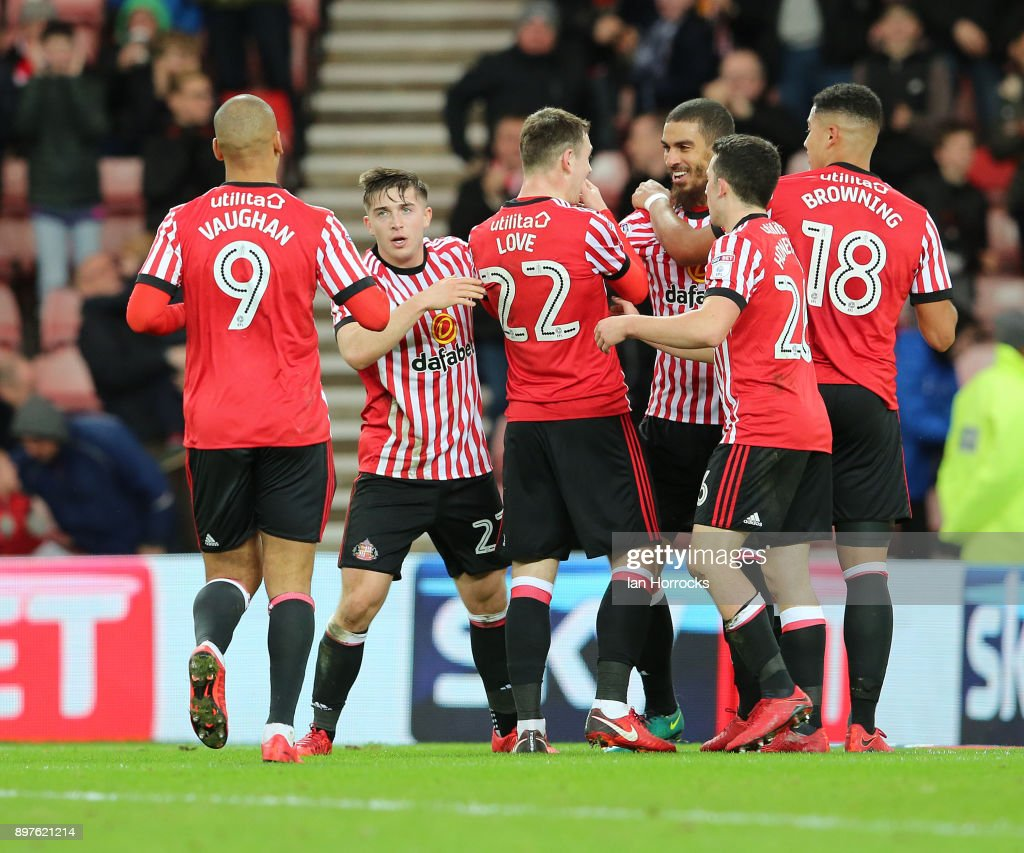 Sunderland players celebrate their opening goal during the Sky Bet Championship match between Sunderland and Birmingham City at Stadium of Light on December 23, 2017 in Sunderland, England.