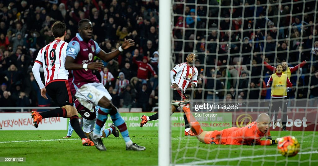 Sunderland striker Jermaine Defoe wheels away after scoring the second Sunderland goal during the Barclays Premier League match between Sunderland and Aston Villa at Stadium of Light on January 2, 2016 in Sunderland, England.