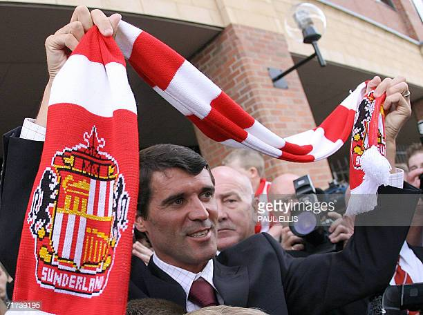 New Sunderland soccer manager Roy Keane meets supporters outside the Stadium of Light Sunderland in northeast England 29 August 2006 on his first day...