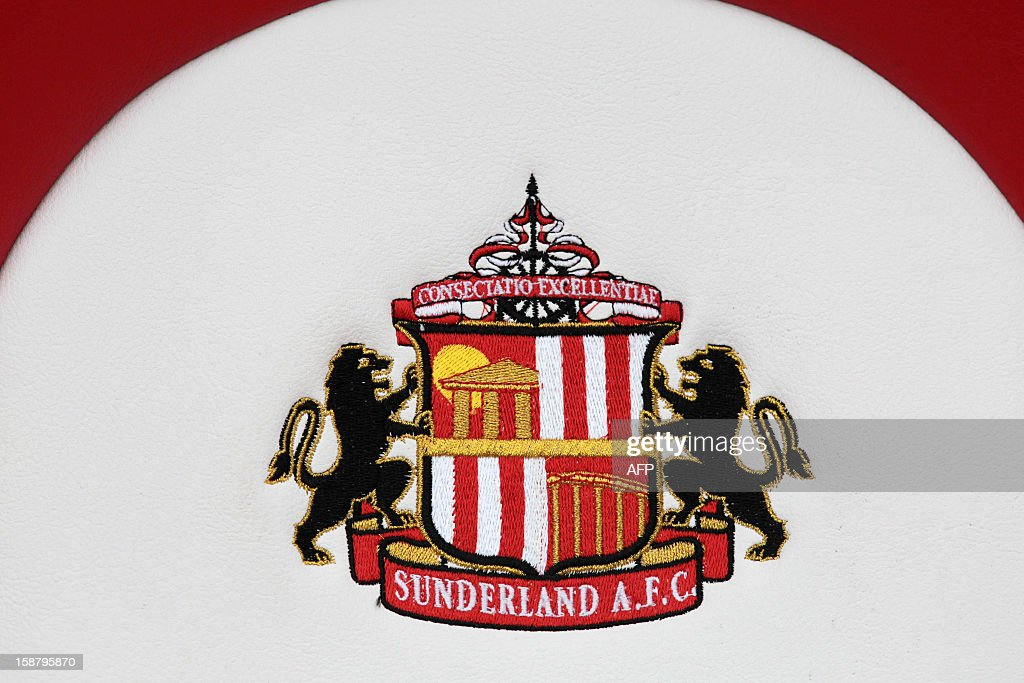 Sunderland's club crest is seen before the English Premier League football match between Sunderland and Tottenham Hotspur at The Stadium of Light in Sunderland, north-east England on December 29, 2012. AFP PHOTO/LINDSEY PARNABY USE. No use with unauthorized audio, video, data, fixture lists, club/league logos or live services. Online in-match use limited to 45 images, no video emulation. No use in betting, games or single club/league/player publications. / AFP / LINDSEY