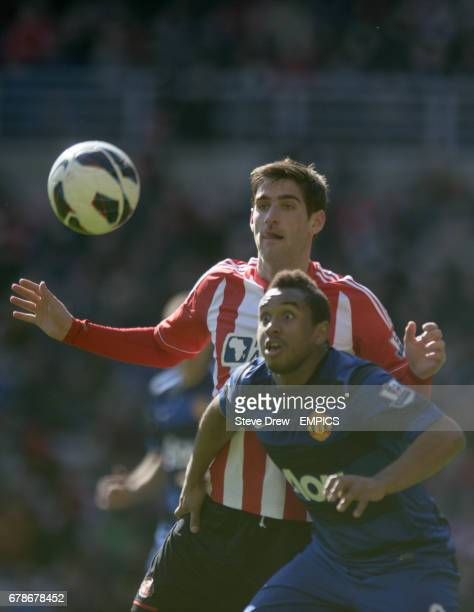 Sunderland's Danny Graham and Manchester United's Anderson battle for the ball