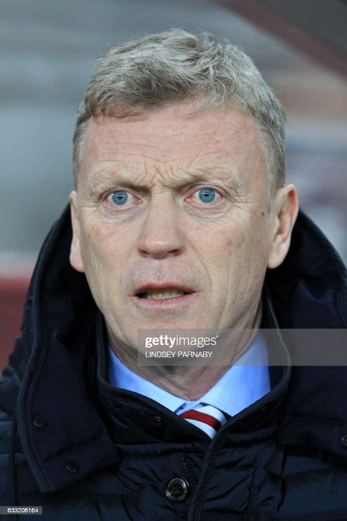 Sunderland's Scottish manager David Moyes looks on ahead of the English Premier League football match between Sunderland and Tottenham Hotspur at the Stadium of Light in Sunderland, north-east England on January 31, 2017. / AFP PHOTO / Lindsey PARNABY / RESTRICTED TO EDITORIAL USE. No use with unauthorized audio, video, data, fixture lists, club/league logos or 'live' services. Online in-match use limited to 75 images, no video emulation. No use in betting, games or single club/league/player publications. /