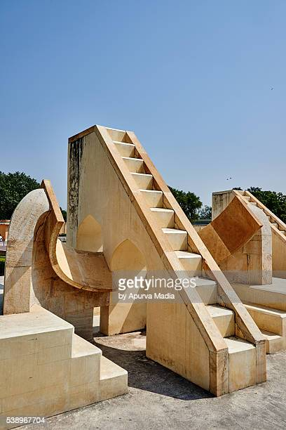 sundials of jaipur, india - jantar mantar stock pictures, royalty-free photos & images
