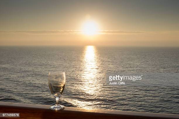 sundowner - justin cliffe stock pictures, royalty-free photos & images