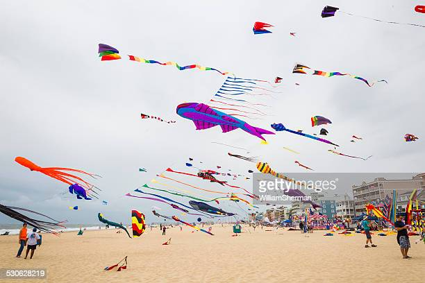 sunfest kite festival in ocean city maryland 2014 - ocean city maryland stock pictures, royalty-free photos & images