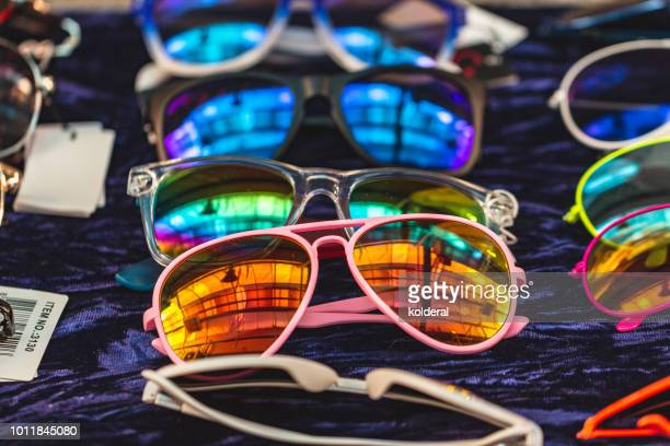 sunglasses with rainbow lenses for sale - パイロットサングラス ストックフォトと画像