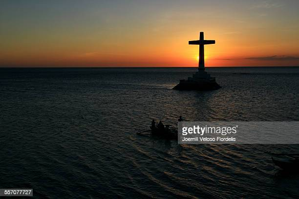 sunken cemetery: camiguin island, philippines - joemill flordelis stock pictures, royalty-free photos & images