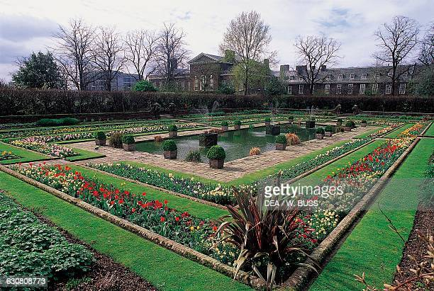 Sunken Garden, Kensington Palace in the background, London, England, United Kingdom.