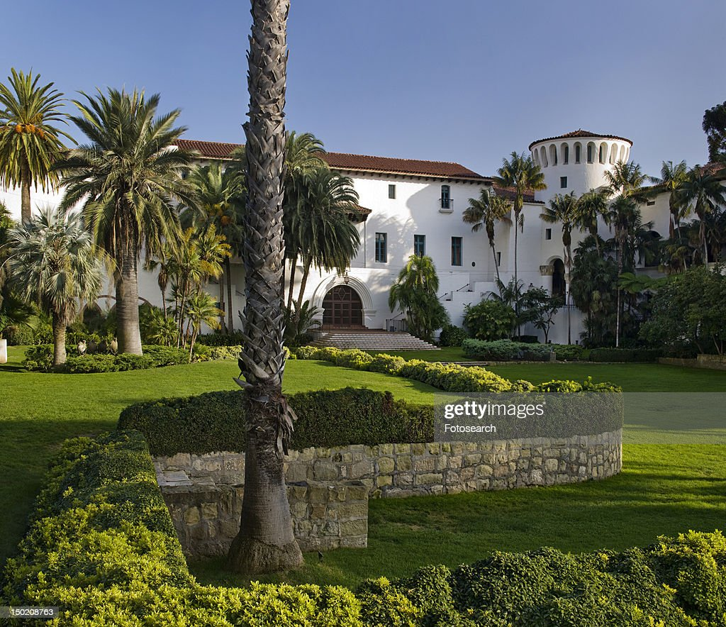 Sunken garden outside Santa Barbara courthouse : Foto de stock