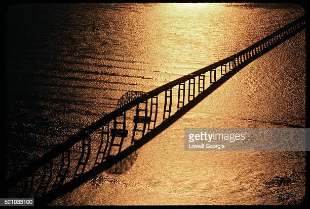 sunlight reflecting off chesapeake bay - chesapeake bay bridge tunnel stock photos and pictures