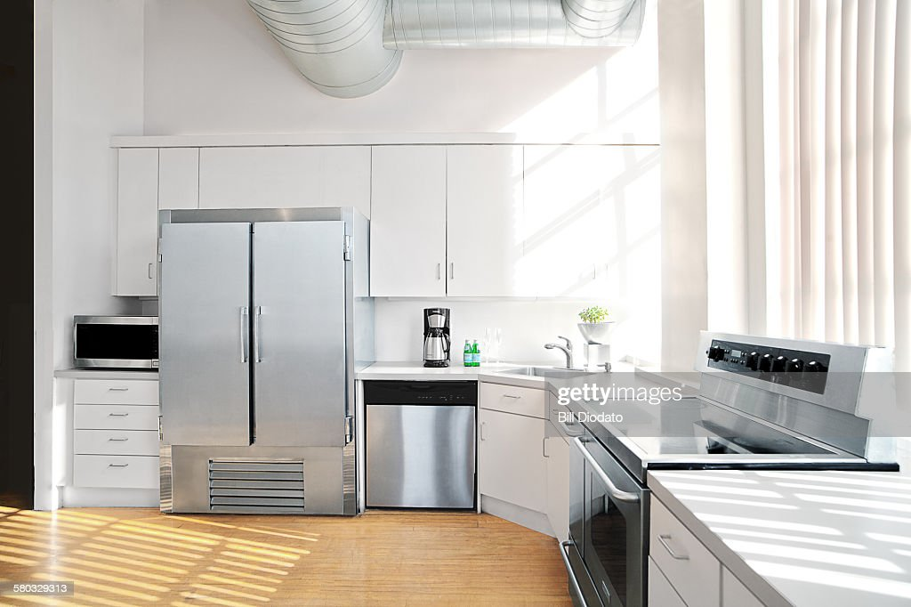 sunlit kitchen interior 2 : Photo