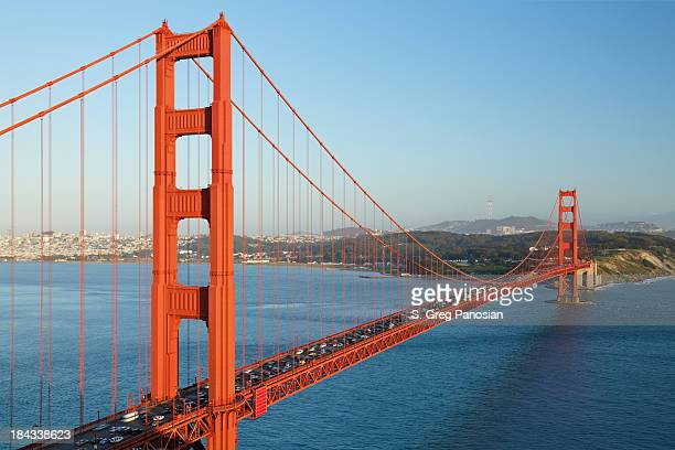 Sunny day on the crowded Golden Gate Bridge
