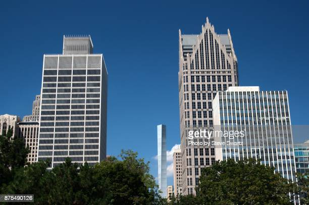 sunny detroit skyline - detroit river stock pictures, royalty-free photos & images