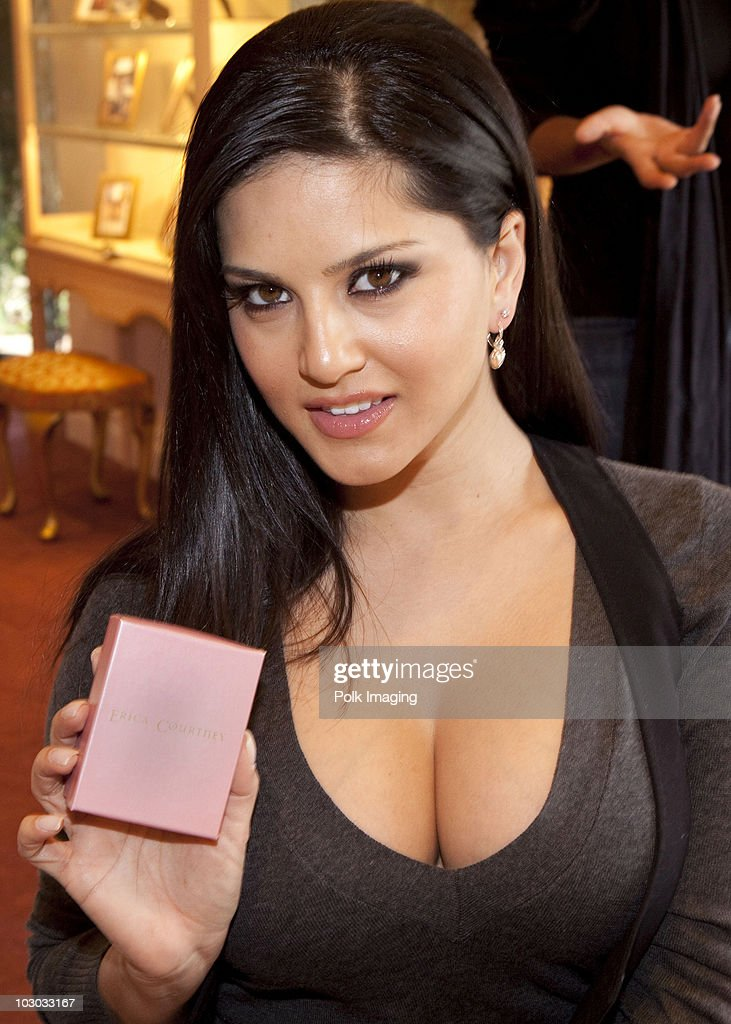 Erica courtney jewelry oscar gift suite photos and images getty sunny leone during the erica courtney drop dead gorgeous jewelry oscar gift suite in beverly hills negle Images