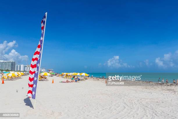sunny morning in south beach (miami - florida) - happy thanksgiving beach stock pictures, royalty-free photos & images
