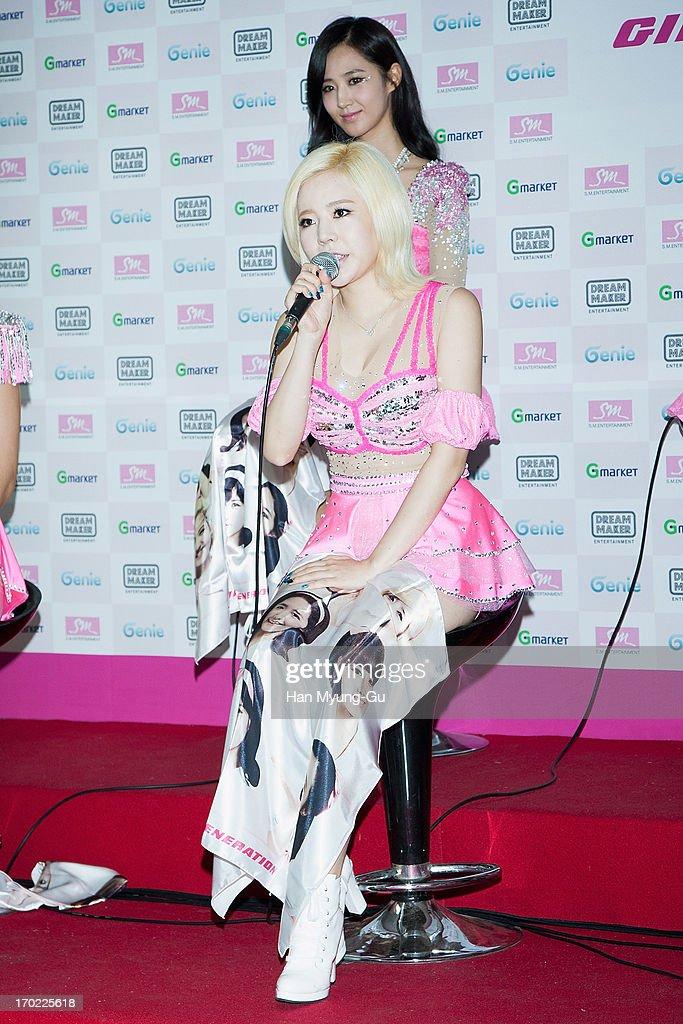 2013 Girls' Generation World Tour 'Girls & Peace' Press Conference : News Photo