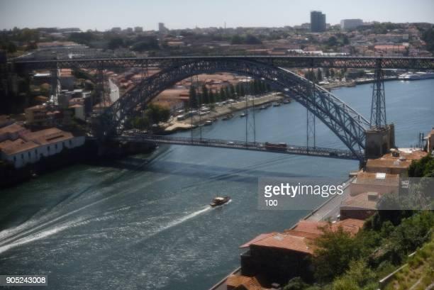 sunny portugal - herpes zoster foto e immagini stock