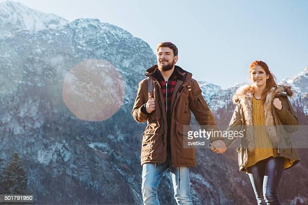 Soleado Día de invierno en las montañas