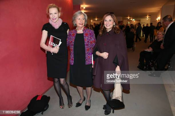 Sunnyi Melles Marlene Ippen and Judith Epstein at the opera premiere of Die tote Stadt by Erich Wolfgang Korngold at Bayerische Staatsoper on...