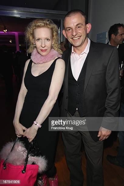 Sunnyi Melles Und Dominik Horrowitz Bei Der Afterparty Zur Eröffnungsgala Der 60 Berlinale Im Moskau In Berlin