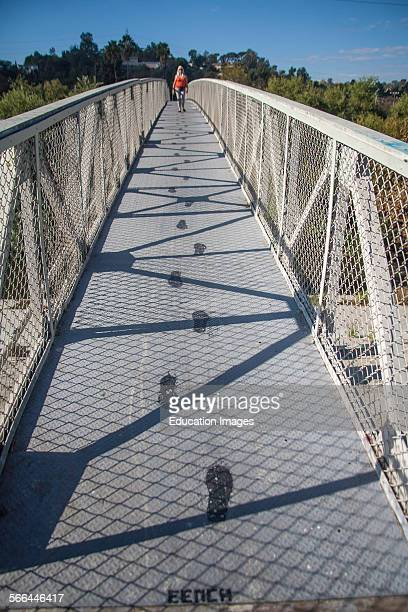 Sunnynook pedestrian bridge over Los Angeles River, Glendale Narrow, Los Angeles, California.