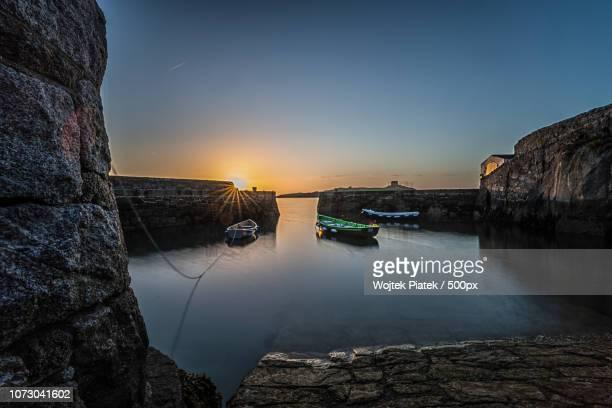 sunrise at dalkey harbour, dublin, ireland - dalkey stock pictures, royalty-free photos & images