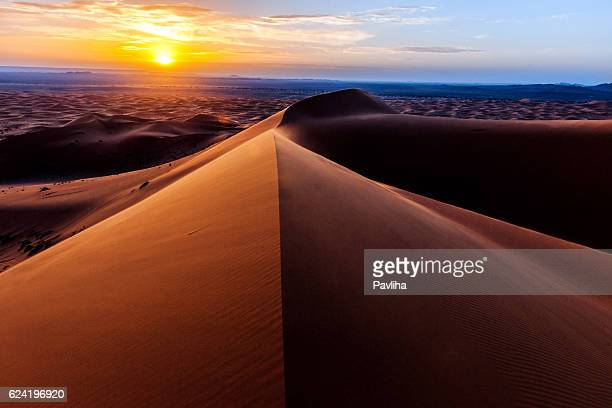 sunrise at erg chebbi sand dunes, morocco,north africa - north africa stock photos and pictures