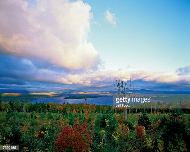 sunrise at height of land moose lookmeguntic lake in the autumn, maine, usa. - mooselookmeguntic lake - fotografias e filmes do acervo