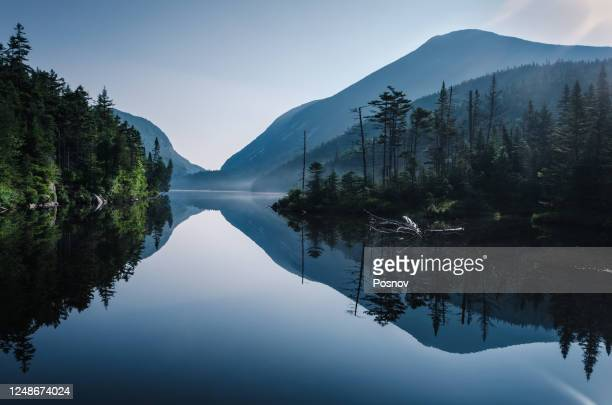 sunrise at lake colden in adirondack high peaks - north america stock pictures, royalty-free photos & images