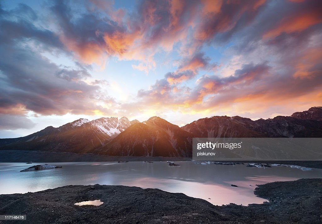 Sunrise at Mountain Cook : Stock Photo