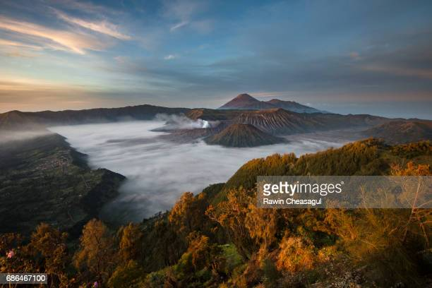 sunrise at mt. bromo - bromo crater stock pictures, royalty-free photos & images
