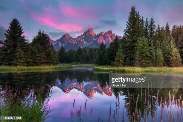 sunrise at schwabacher's landing - グランドティトン国立公園 ストックフォトと画像