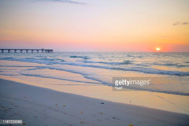sunrise at the beach - フロリダ州ハリウッド ストックフォトと画像