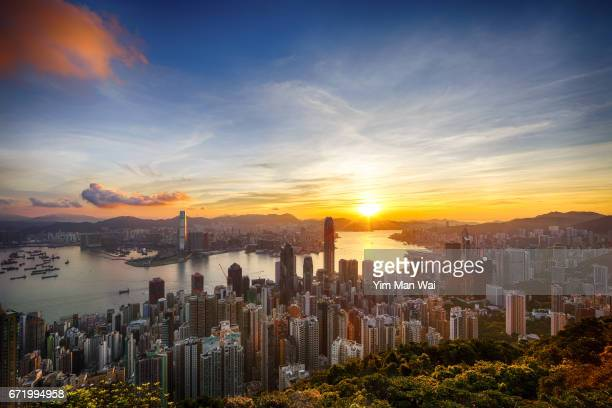 sunrise at the peak - kowloon peninsula stock pictures, royalty-free photos & images