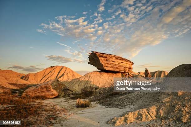 sunrise at toadstool geologic park in northwestern nebraska - nebraska stock photos and pictures