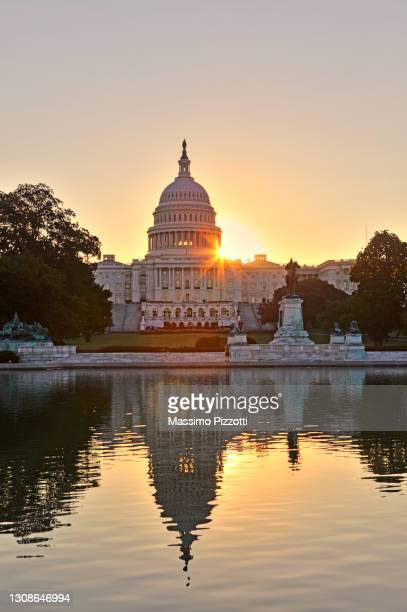 sunrise at united states capitol - massimo pizzotti foto e immagini stock