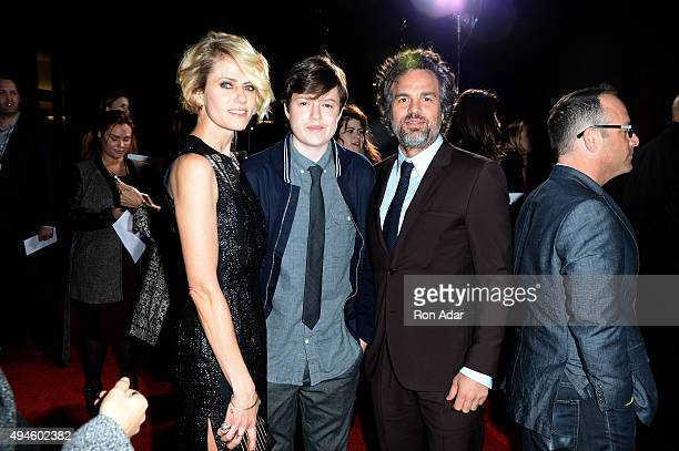 Sunrise Coigney Keen Ruffalo and Actor Mark Ruffalo attend the 'Spotlight' New York premiere at Ziegfeld Theater on October 27 2015 in New York City