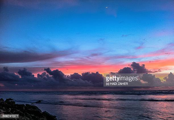 sunrise crescent - nauru stock pictures, royalty-free photos & images