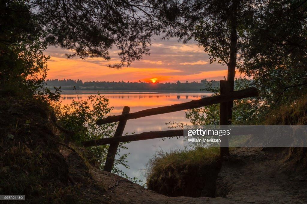 Sunrise Fence : Stockfoto